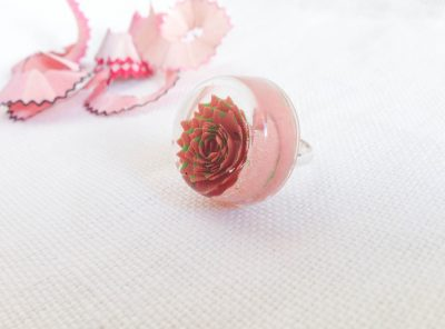 Tiny leaves ring